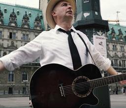 ELVIS feat. Carsten Pape – Rathausmarkt